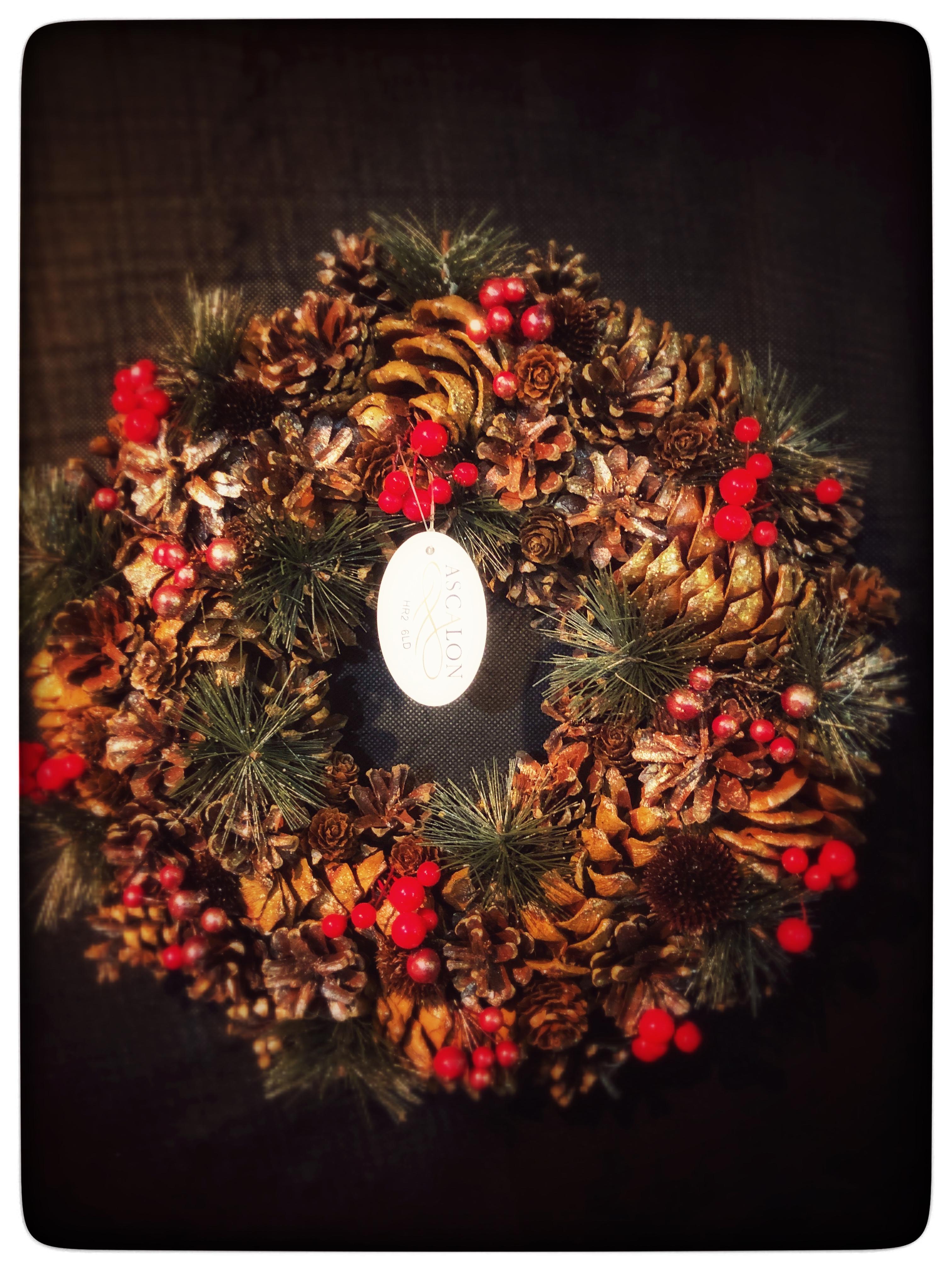 Christmas Shop now open – Seasons Greetings !!